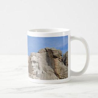 Rushmore 1682のマグ コーヒーマグカップ