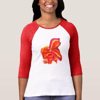 Ryukinの金魚のデザインのTシャツ Tシャツ