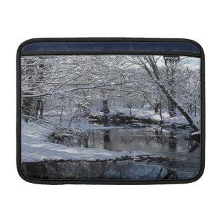 Sacoの川のニューハンプシャーMacbookの空気箱 MacBook スリーブ