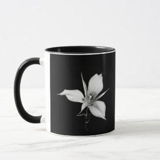 SagebrushのMariposaユリ マグカップ
