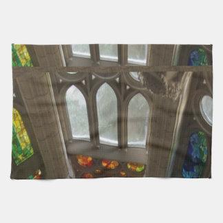 Sagradaのfamilia教会壁のWindowsの神聖なスピリチュアル キッチンタオル