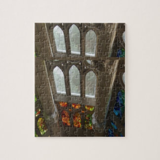 Sagradaのfamilia教会壁のWindowsの神聖なスピリチュアル ジグソーパズル