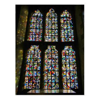 Sagrada Familiaのステンドグラスのバルセロナの写真 ポストカード