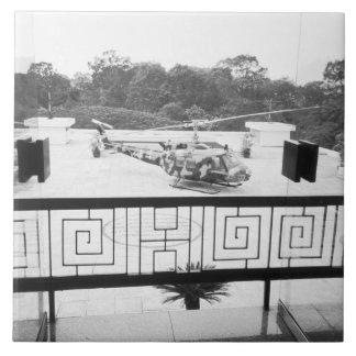 Saigon HCMCベトナムのHueyのヘリコプター 正方形タイル大