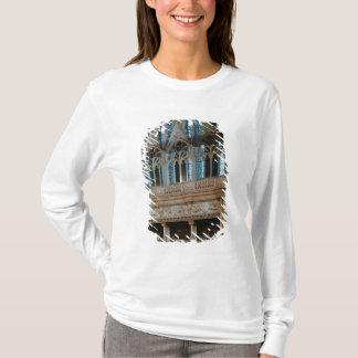 Salleの3つの彫られた暖炉 Tシャツ