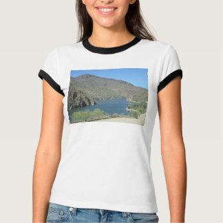 Salt川の眺めのアパッシュの道 Tシャツ