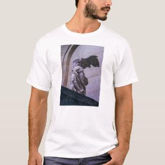 Samothraceのルーバー、パリの飛んだ勝利 Tシャツ