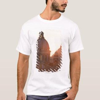 San CarloのAlのCorso教会およびSt.のドーム Tシャツ