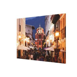San Cristobal de Las Casasの通りの観光客 キャンバスプリント