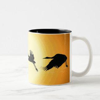 Sandhillクレーン鳥の野性生物動物Bosque ツートーンマグカップ