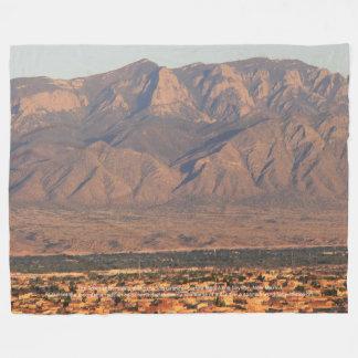 Sandia山Bernalilloニューメキシコ フリースブランケット
