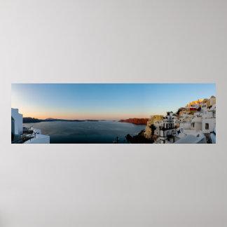 Santoriniの日の出のパノラマ ポスター