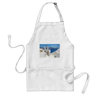 Santoriniの白によって洗浄される教会青の空そして海 スタンダードエプロン