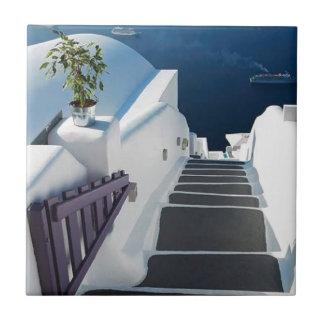 Santorini Oiaのステップ、ギリシャ タイル