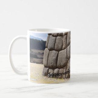 Saqsaywamanのヘビのピクトグラム コーヒーマグカップ