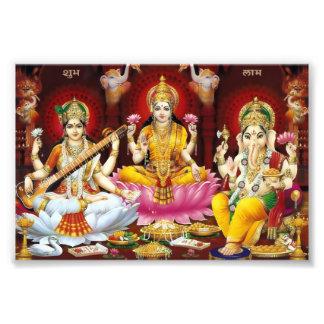 "Saraswati、Lakshmi、及びGaneshaのプリント(6"" x 4"") フォトプリント"