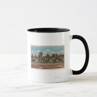 Saratoga Springs、NY -競馬トラック場面 マグカップ