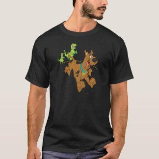 Scooby Dooの恐竜Chasing2 Tシャツ
