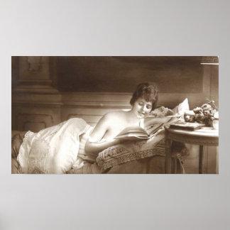 Seminude女性の読書 ポスター