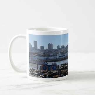 SF都市スカイライン及び桟橋39のアシカのマグ コーヒーマグカップ