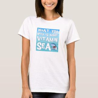 Shaaark -ビタミンの海の女性Tシャツ先生 Tシャツ