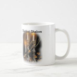 Shabbatのための蝋燭が付いているコップ コーヒーマグカップ