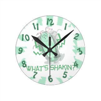 Shakinは何ですか。 Milkshakin! ラウンド壁時計