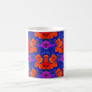 SHARLESによるオレンジケシ及び青い庭 コーヒーマグカップ