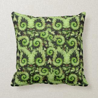 Sharles著かたつむりのベゴニアの葉の枕 クッション