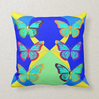 Sharles著(昆虫)オオカバマダラ、モナークのButterflieのモダンな枕 クッション