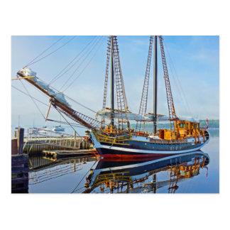 Shelburne、ノバスコシアの高い船Larinda ポストカード