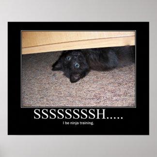 Shhhh… 黒い子ネコの忍者のアートワーク ポスター