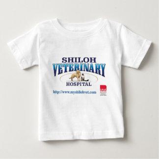 Shilohの獣医のベビーのTシャツ ベビーTシャツ