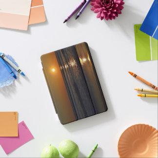 Shirleyテイラー著ビーチの日の出 iPad Miniカバー