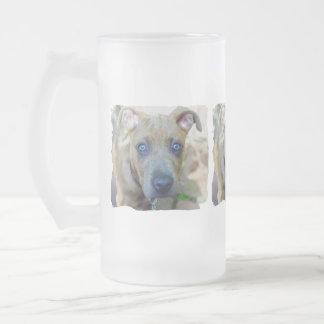Shirleyテイラー著ピット・ブルのBrindle子犬 フロストグラスビールジョッキ