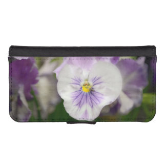 Shirleyテイラー著紫色および白いビオラ iPhoneSE/5/5sウォレットケース