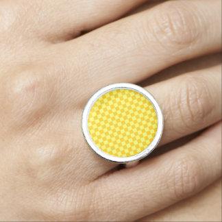 ShirleyTaylor著黄色い組合せのチェッカーボード 指輪