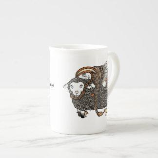 Shonaghsのヒツジの骨灰磁器のマグ ボーンチャイナカップ
