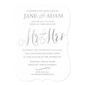 Silver Typography Wedding Inviteエレガントな氏及び夫人 12.7 X 17.8 インビテーションカード