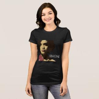 Simone 「バラへの話」のティー tシャツ