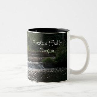 Siuslawの滝 ツートーンマグカップ
