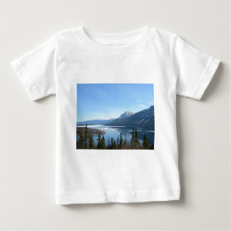 Skagway、アラスカの景色の眺め ベビーTシャツ
