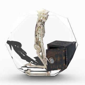 SkeletonWithSafe032215 表彰盾