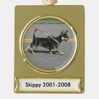 Skippyのチワワのオーナメント ゴールドプレートバナーオーナメント
