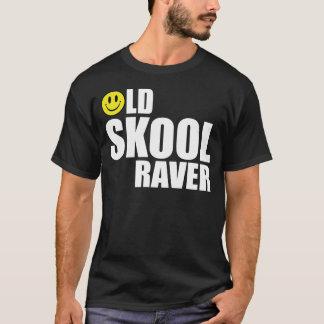 Skoolの古いRaver 2 Tシャツ