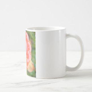 SLAMMINのサーモンピンク果実 コーヒーマグカップ