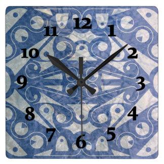 Slipperywindow著アールデコのスカンジナビアの青 スクエア壁時計