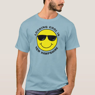 Smiley Looking Cool in Your State Tシャツ