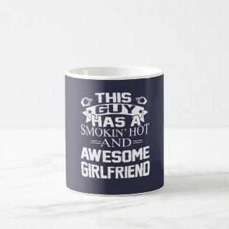 Smokinの熱く及び素晴らしいガールフレンド コーヒーマグカップ