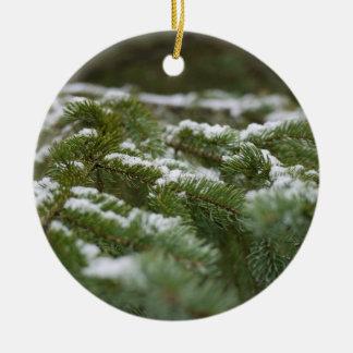 Snowyの冬の松の木 セラミックオーナメント